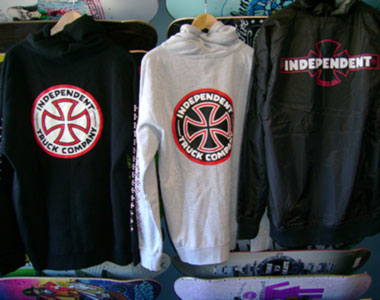 INDEPENDENT meska bluza